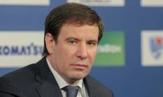 ФСБ и СКР нагрянули с обыском в дом экс-губернатора Михаила Юревича
