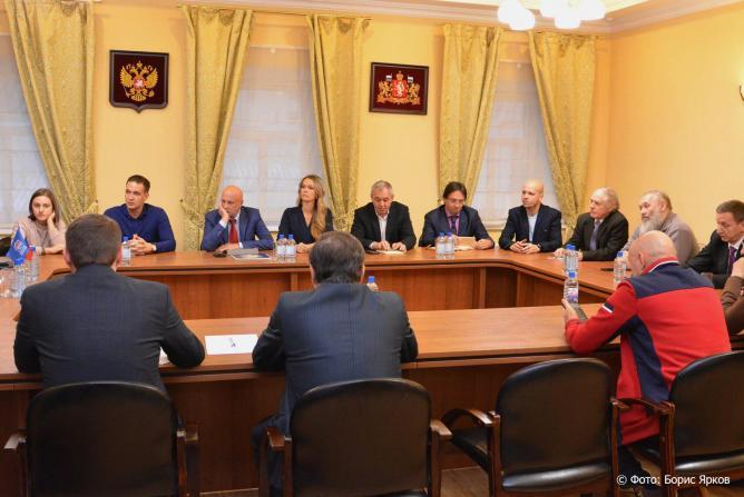 Единороссы предложили провести в Екатеринбурге Всероссийский форум предпринимателей