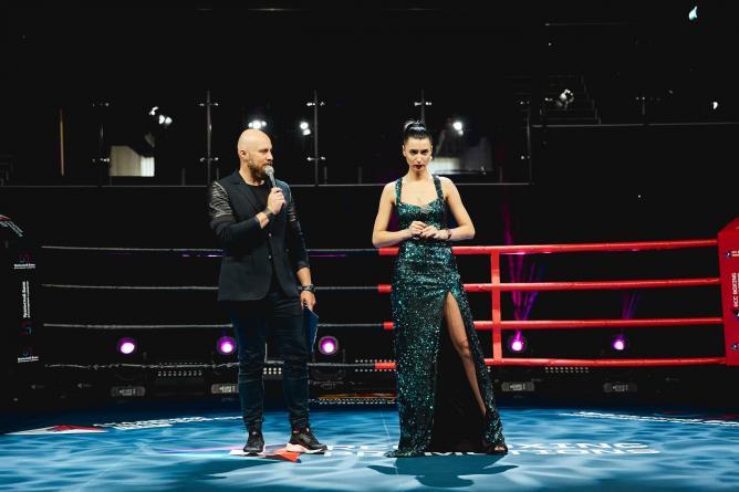 В Екатеринбурге на ринг вышли певцы
