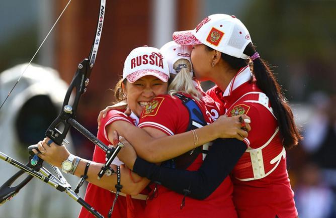 Российские лучницы завоевали серебро ОИ в командном первенстве
