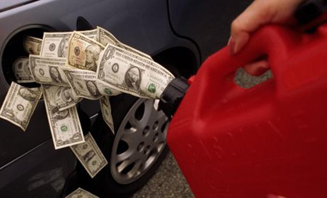 Весной цены на бензин вырастут сразу на два рубля