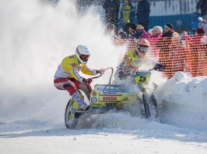 В Ирбите прошли соревнования по зимнему мотокроссу
