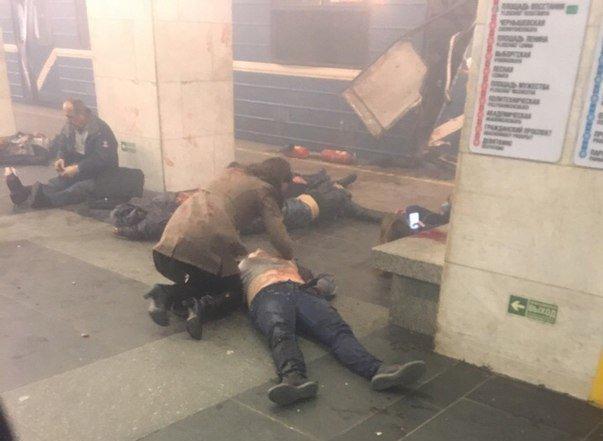 В Петербургском метро прогремели взрывы