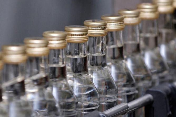 Минпромторг хочет продавать водку по 100 рублей
