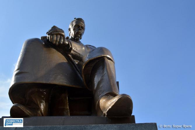 Радисты отметили свой профессиональный праздник у памятника Попову
