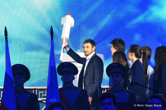 Антон Шипулин зажег огонь Дельфийские игры России