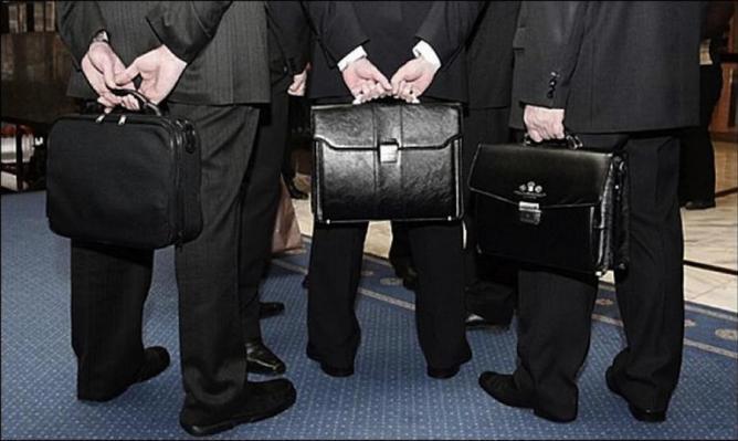 В Генпрокуратуре предложили следить за расходами экс-чиновников