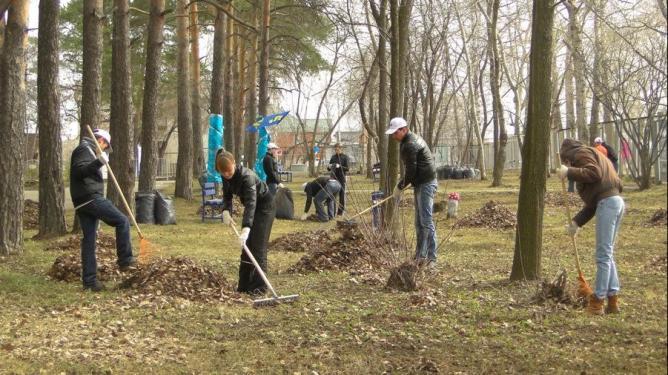 Администрация Екатеринбурга пообещала очистить город от грязи за 30 дней