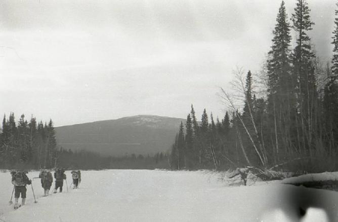 Туристам разрешили добираться до перевала Дятлова на снегоходах и мотовездеходах