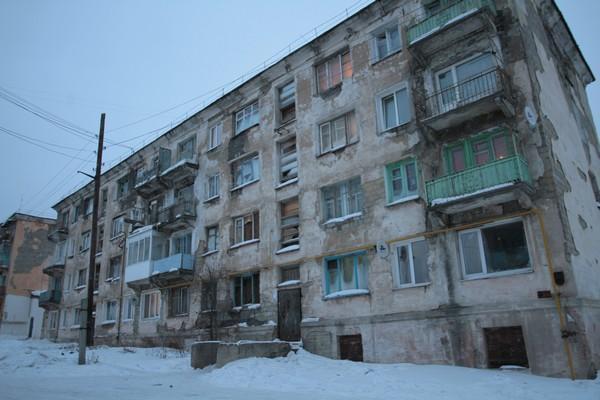 Мэрия Серова предложила «соседям» фекального сталагмита другое аварийное жильё